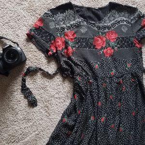 Dresses & Skirts - Vintage red rose on black dress